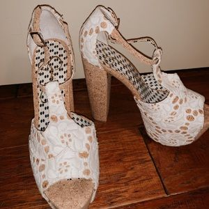 White Lace & cork Jessica Simpson heels